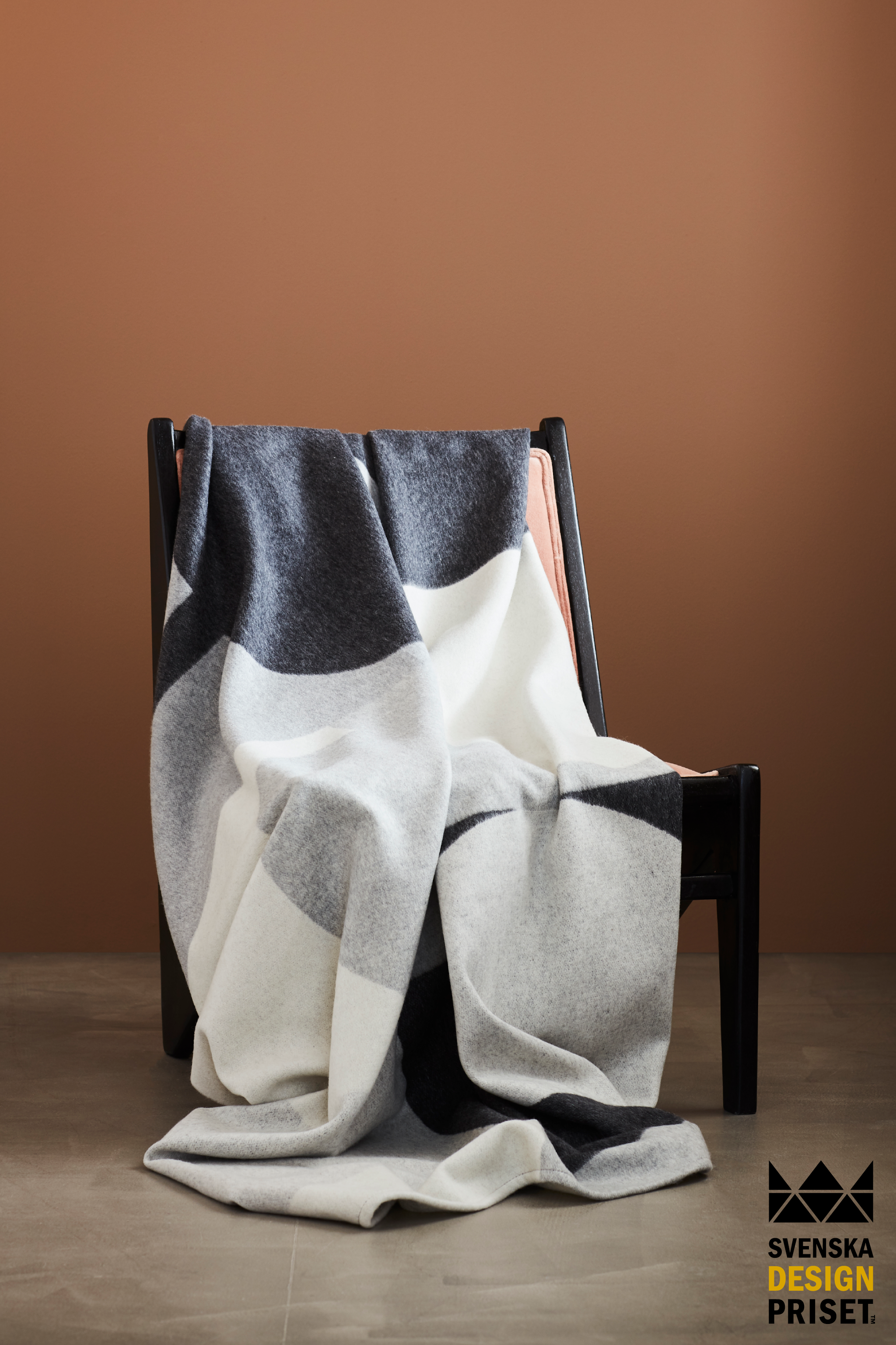 VÄRN Throw 80% Wool 20% Cashmere 130x180cm