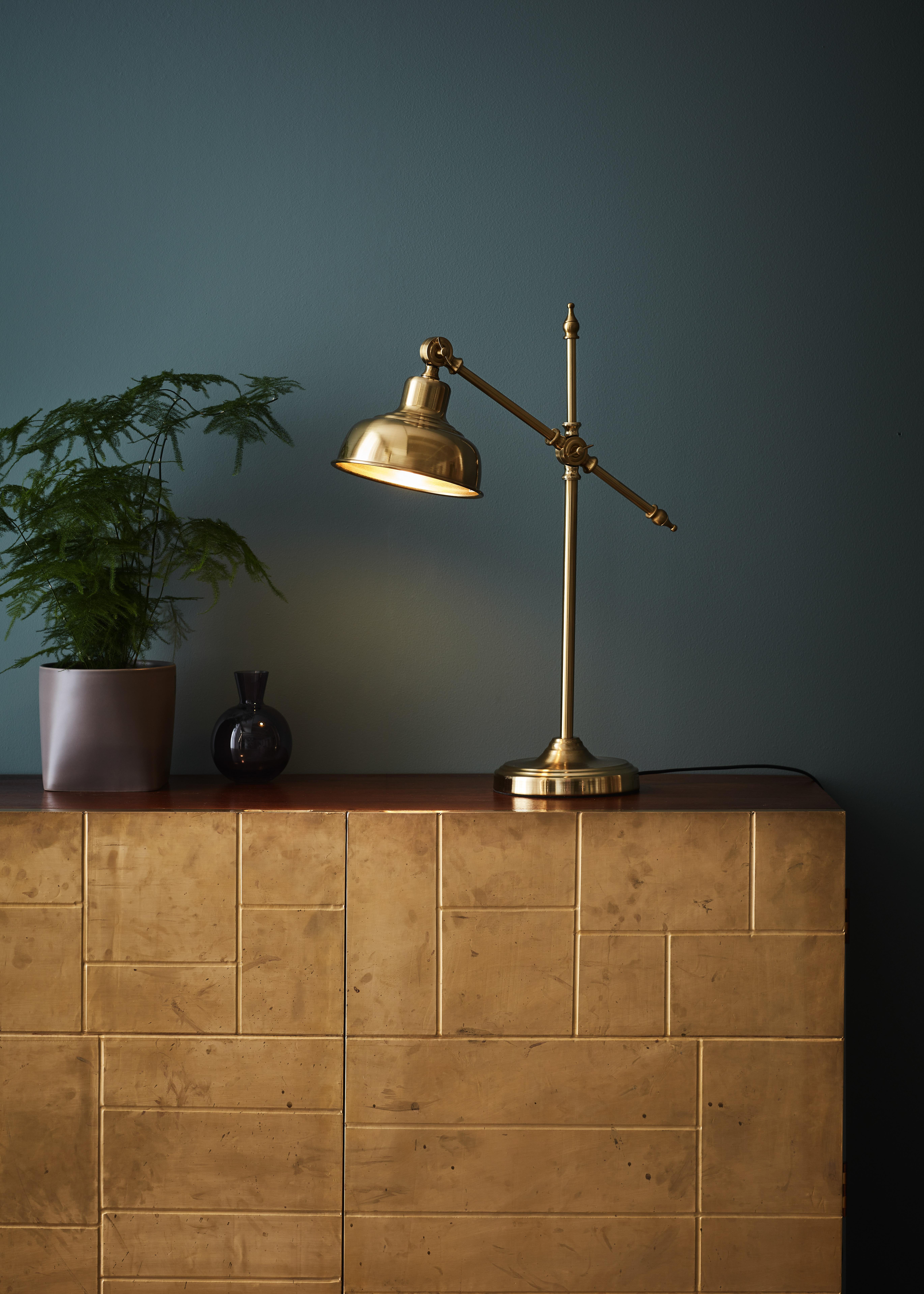 GRIMSTAD - Dark Brass Table