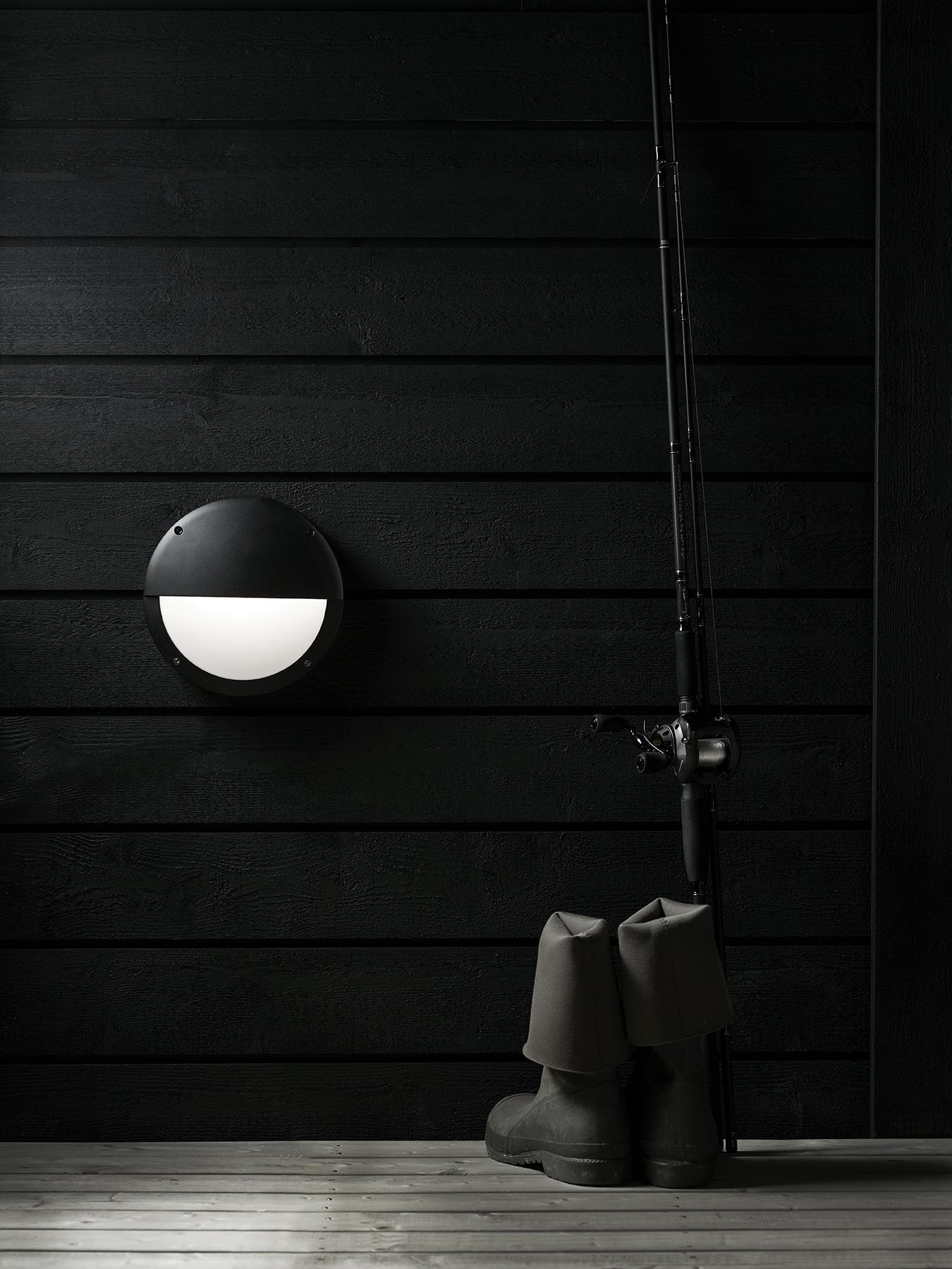 HERO - Wall black